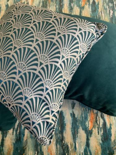 Teal-Art-Deco-teal-velvet-scatter-cushions-scaled